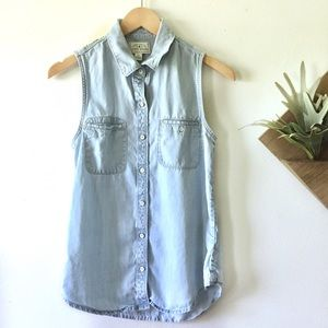 Lucky Brand | Sleeveless Chambray Button Down Top